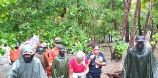 Cuatro familias de Guastatoya fueron trasladadas a un albergue temporal .