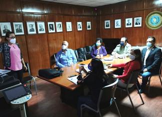 Mónica de Berreondo explica el estado y el tipo de atención de la Fundación Manos Amigas a la sectaria Thelma Portillo, al gobernador Waldemar Barillas y al diputado Guillermo Cifuentes.