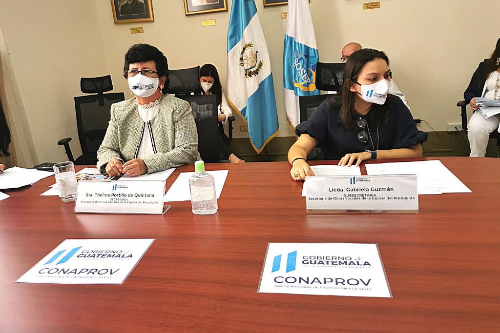 Secretaria Thelma Portillo y subsecretaria Gabriela Guzmán.