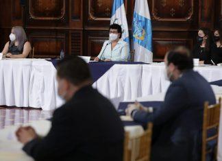 Thelma Portillo, secretaria de SOSEP, preside la primera reunión extraordinaria de CONAPROV.